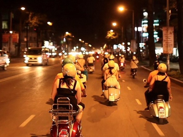 Saigon After the Dark / Daily departure