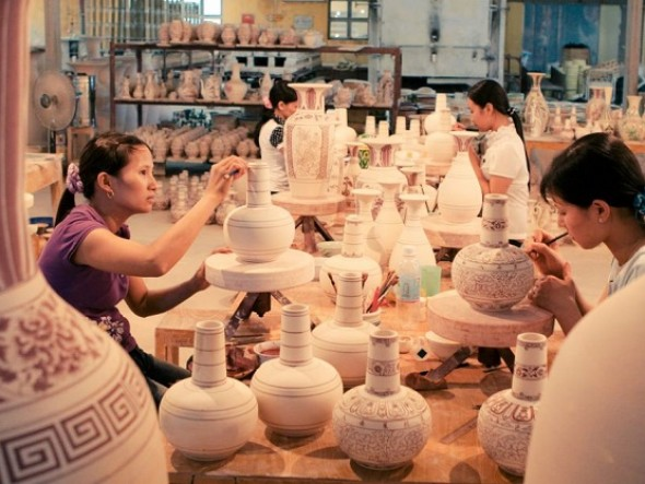 Hanoi city tour (Bat Trang Ceramic Village) / Group tour (Mon, Wed, Fri)